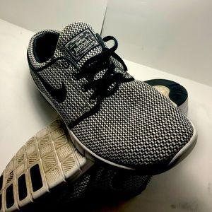 Used : Nike SB air Stefan janoski skate shoes